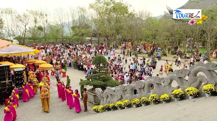 Lễ hội tại Bái Đính Ninh Bình