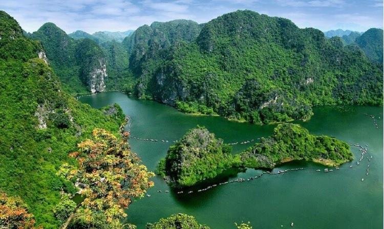 Khu du lịch Tràng An Ninh Bình nhìn từ trên cao
