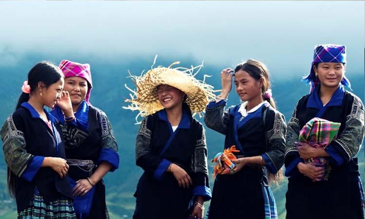 Các thiếu nữ dân tộc Hmong