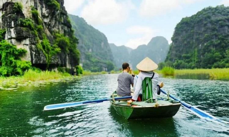 Du lịch Tràng An bằng thuyền