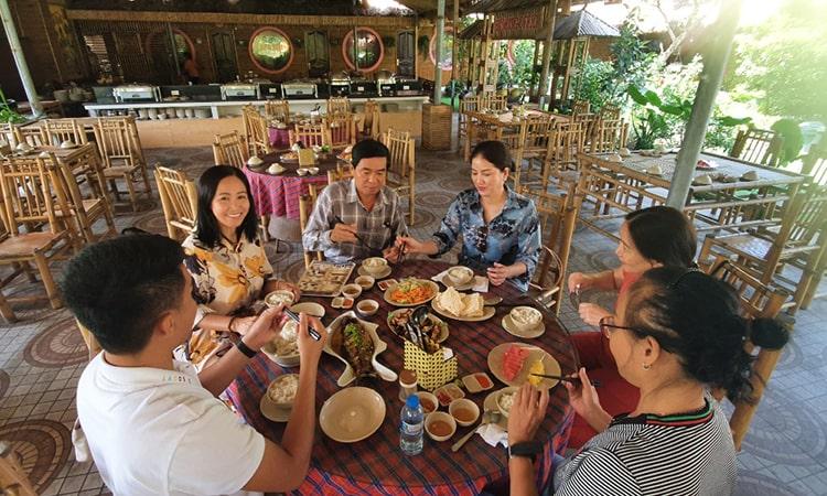 Nhà hàng tại Ninh Bình