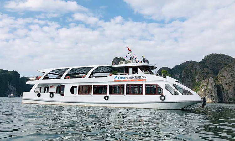 Tàu thăm vịnh theo Combo Hạ Long