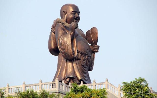 Tượng phật bằng đồng lớn nhất Việt Nam