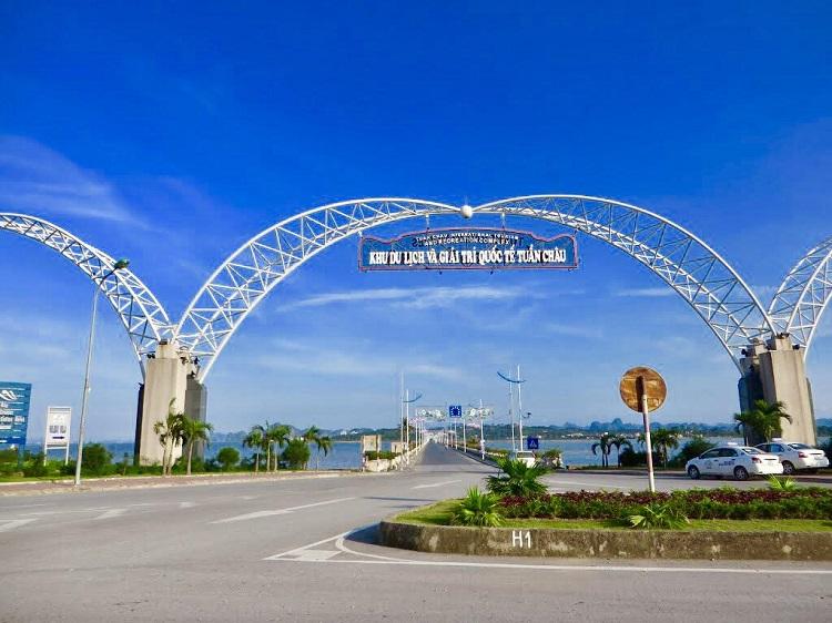 Lối vào Đảo Tuẩn Châu Hạ Long