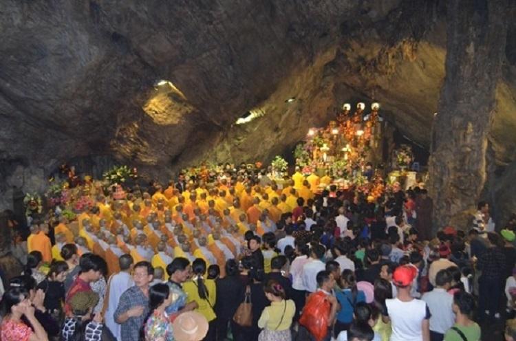 Tour Lễ Hội Chùa Hương