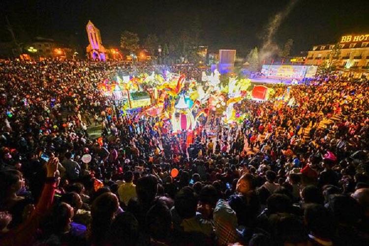 Lễ hội rước đèn trung thu tại Sapa