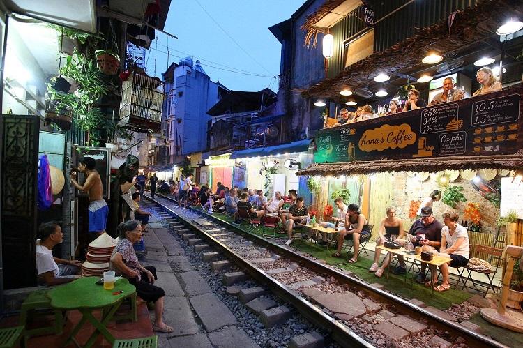 Xóm đường tàu ở phố cổ Hà Nội