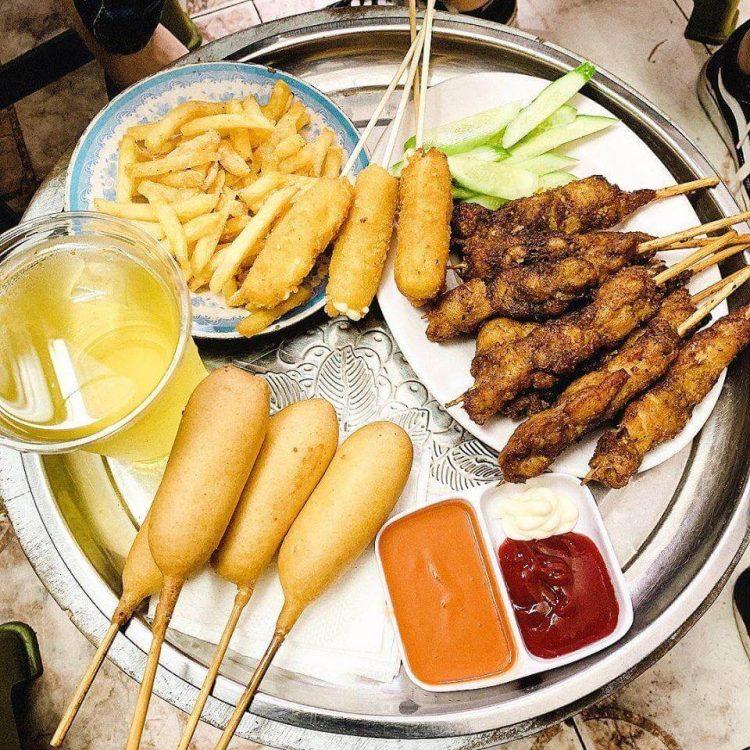 Nem nướng thịt xiên - Món ăn vặt ngon ở Hà Nội