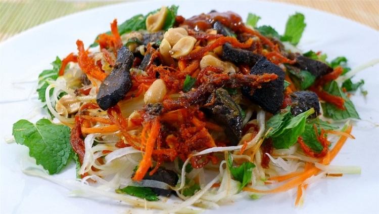 Nộm bò khô món ăn vặt ngon Hà Nội