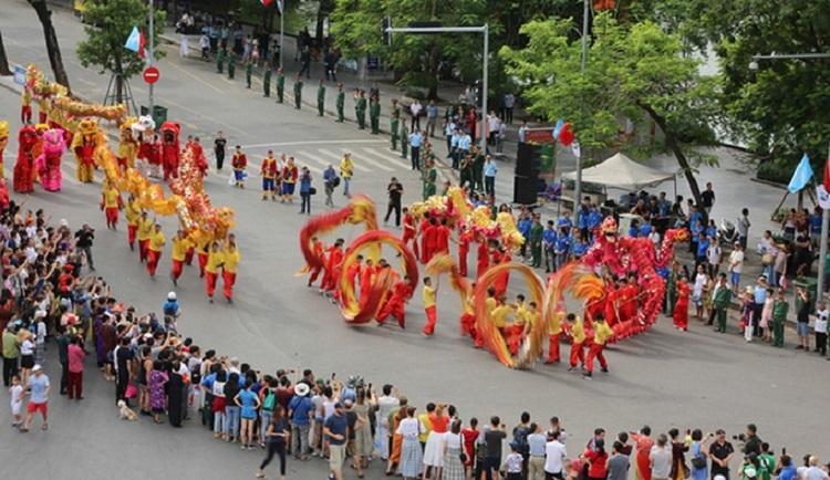 Lễ hội diễn ra tại phố đi bộ Hồ Hoàn Kiếm Hà Nội