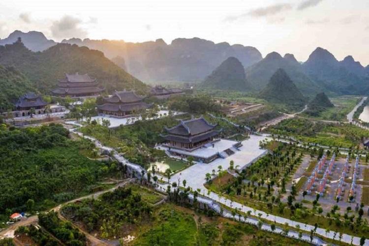 Quần thể chùa Tam Chúc Hà Nam