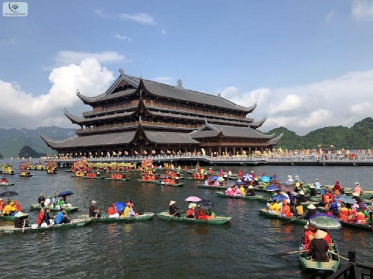 Nhà Thủy đình chùa Tam Chúc