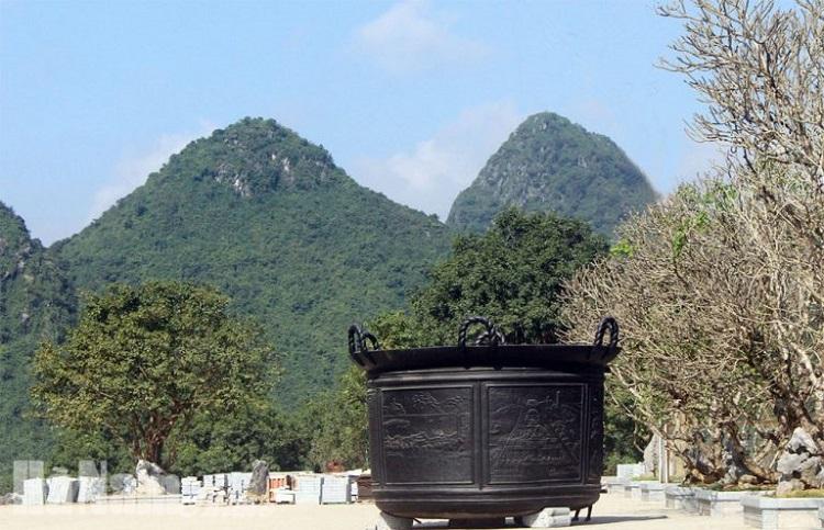 Vạc dầu tại chùa Tam Chúc
